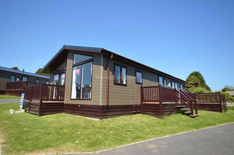 2 Bedrooms Lodge Character Property for sale in Brixham, Devon