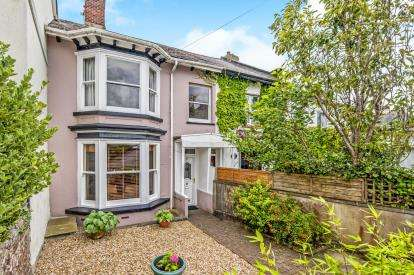 4 Bedrooms Terraced House for sale in Newton Abbot, Devon, England