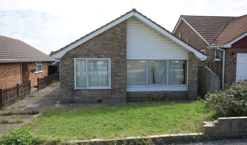 2 Bedrooms Bungalow for sale in Horsham Avenue North, Peacehaven, East Sussex, BN10 8DT