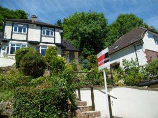 3 Bedrooms House for sale in Milner Close, Caterham, Surrey, .