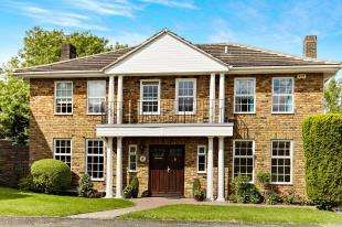 5 Bedrooms Detached House for sale in Hadley Wood Rise, Kenley, Surrey