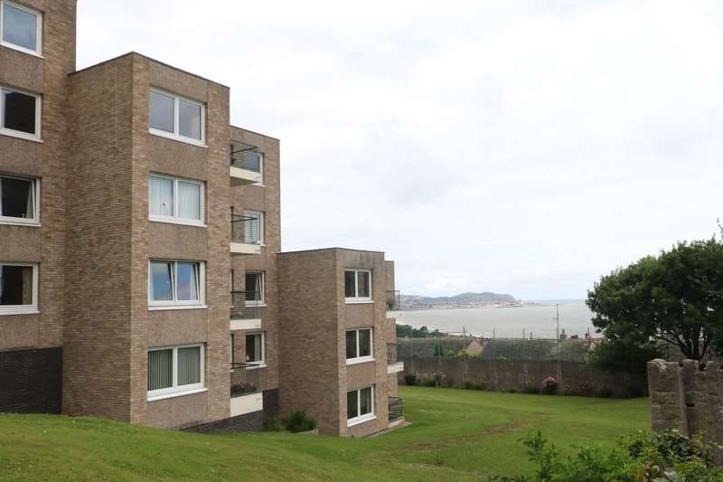 2 Bedrooms Flat for sale in Abergele Road, Colwyn Bay, Conway, LL29