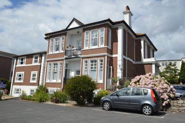 2 Bedrooms Flat for sale in Park Side Villas, Palermo Road, Babbacombe, Torquay Devon
