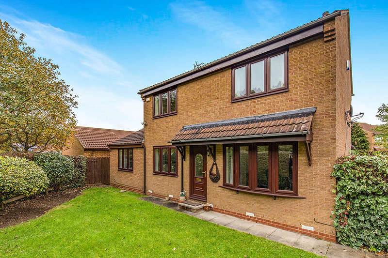 4 Bedrooms Detached House for sale in Castle Close, Stockton-On-Tees, TS19