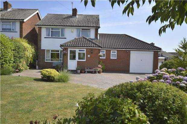 4 Bedrooms Detached House for sale in Grange Avenue, HASTINGS, East Sussex, TN34 2QE