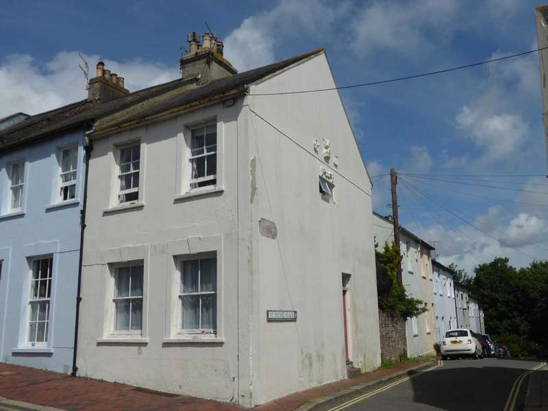 2 Bedrooms End Of Terrace House for sale in High Street, Lewes