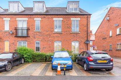 1 Bedroom Flat for sale in Trinity Lane, Hinckley, Leicester