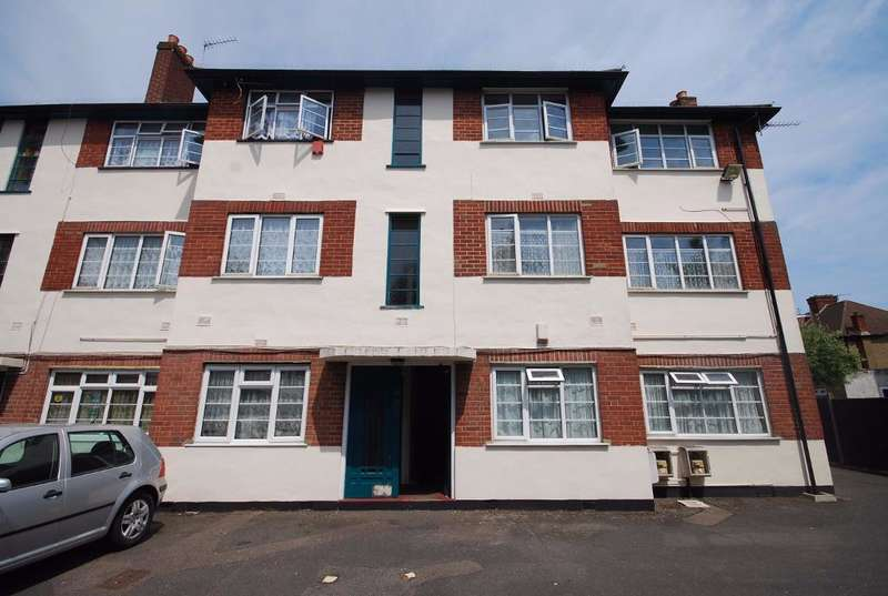 2 Bedrooms Flat for sale in HURST LODGE, STANLEY AVENUE, WEMBLEY, MIDDLESEX, HA0 4JG