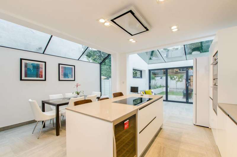 4 Bedrooms House for sale in Durand Gardens, Stockwell, SW9