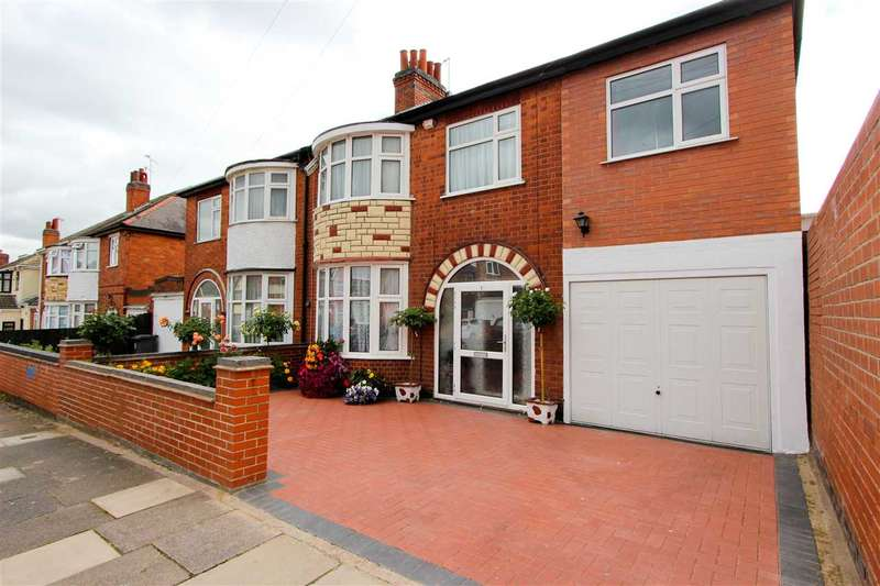 5 Bedrooms Semi Detached House for sale in Rowsley Avenue, Leicester