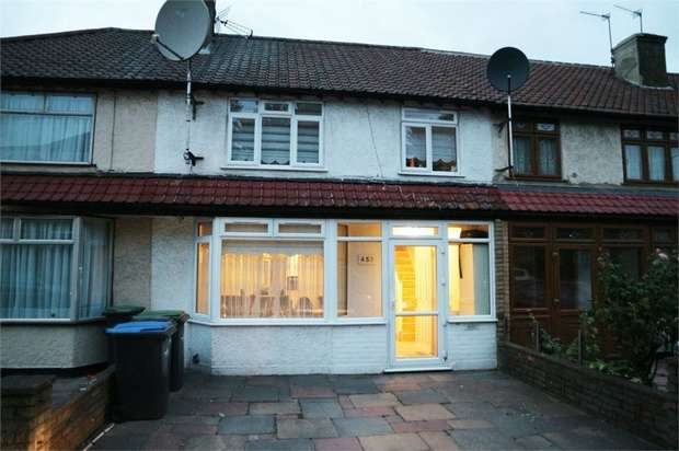 3 Bedrooms Terraced House for sale in Montagu Road, London