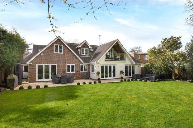 5 Bedrooms Detached House for sale in Buckhurst Grove, Wokingham, Berkshire
