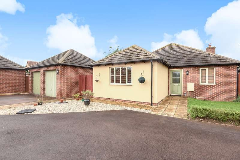 3 Bedrooms Detached Bungalow for sale in Churchdown
