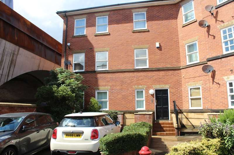 2 Bedrooms Flat for sale in Liverpool Road, Manchester