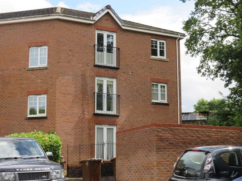 1 Bedroom Apartment Flat for sale in Cwrt Llys Ffynnon, Pontllanfraith, Blackwood