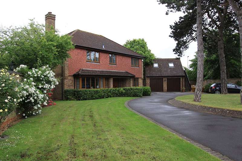 4 Bedrooms Detached House for sale in The Chestnuts, Abingdon, Oxfordshire, OX14 3YN