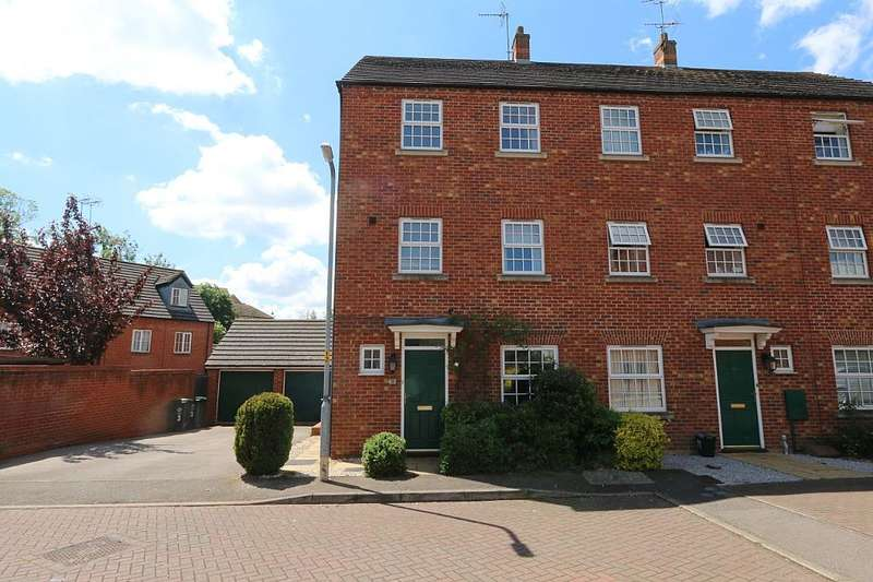 4 Bedrooms Town House for sale in Peck Way, Rushden, Northamptonshire, NN10 6BD