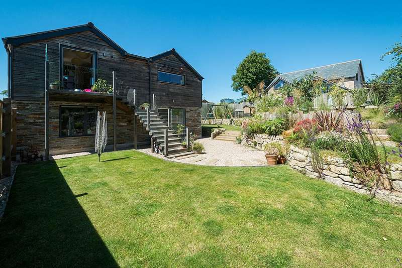 4 Bedrooms Detached House for sale in The Old Press, Penpol Avenue, Hayle, Cornwall, TR27 4NQ
