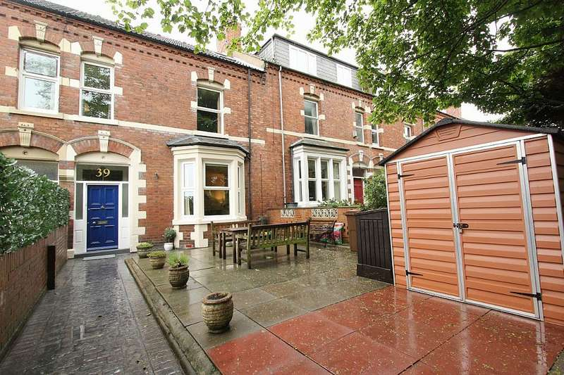 5 Bedrooms Terraced House for sale in Victoria Avenue, Whitley Bay, Tyne and Wear, NE26 2AZ