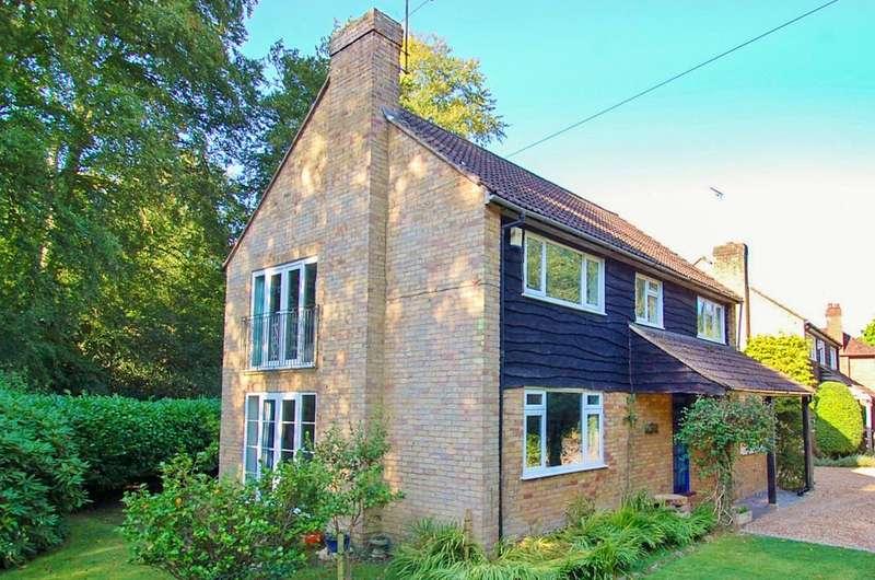 4 Bedrooms Detached House for sale in Parish Lane, Farnham Common, SL2