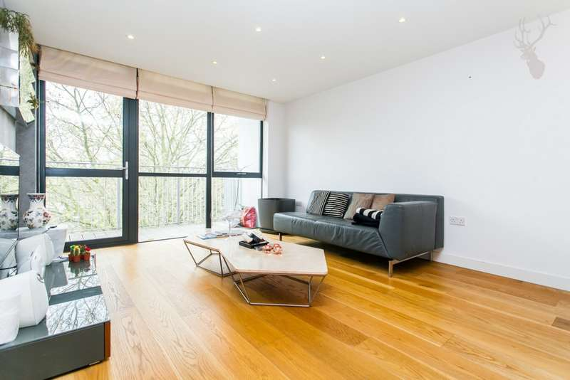 3 Bedrooms Flat for sale in Esquared Apartments, Allgood Street, Shoreditch, E2