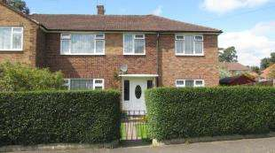 5 Bedrooms Semi Detached House for sale in Westway Gardens, Redhill, Surrey