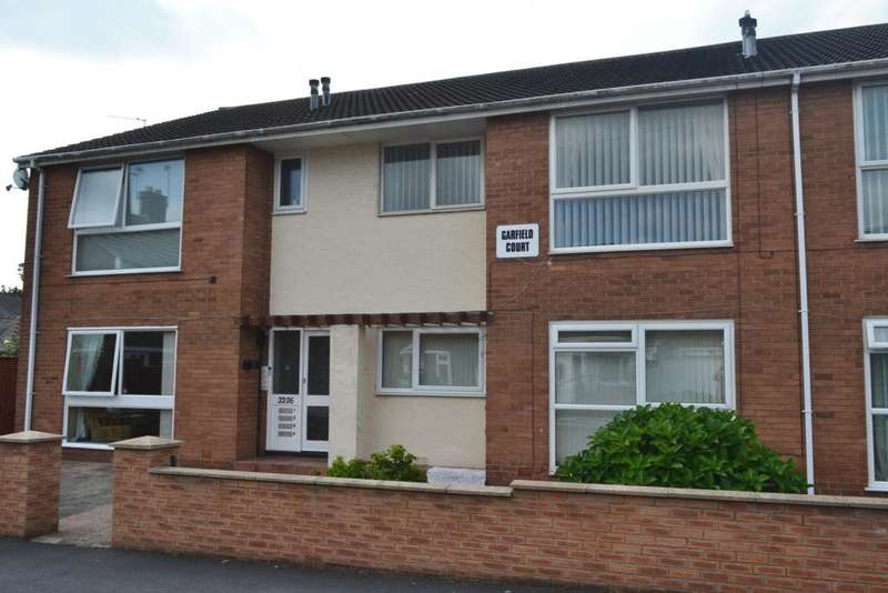 2 Bedrooms Flat for sale in Elterwater Place, Blackpool, FY3