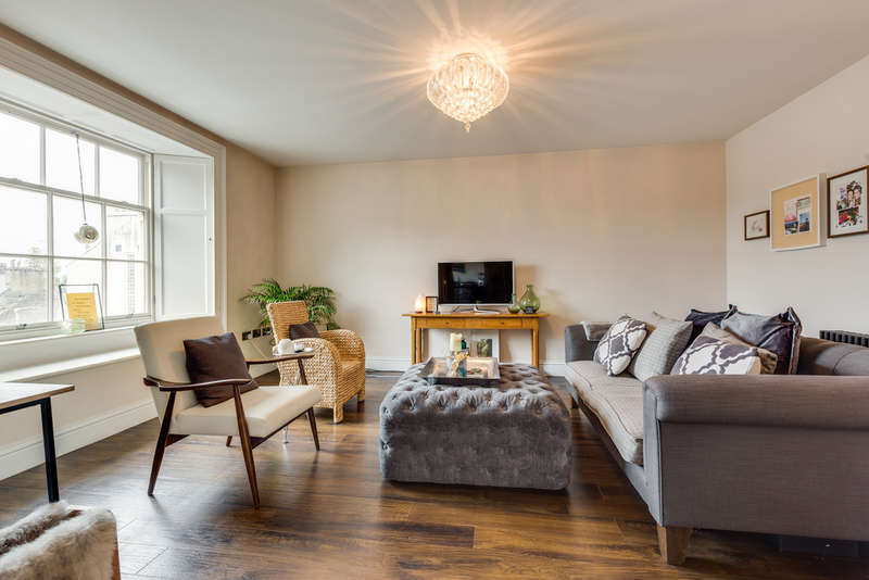 1 Bedroom Flat for sale in Flat 2, 54 Stramongate, Kendal, Cumbria, LA9 4BD