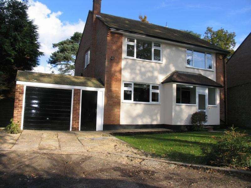 4 Bedrooms Detached House for rent in Fossewood Drive, Camberley