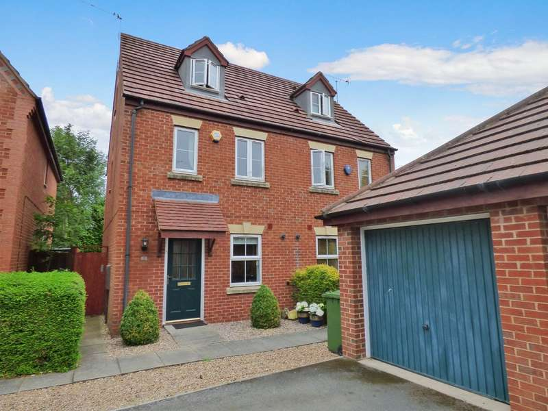 3 Bedrooms Town House for sale in Coriolanus Square, Warwick