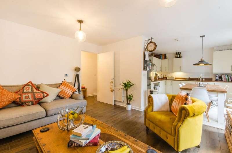 1 Bedroom Flat for sale in Reaston Street, New Cross, SE14