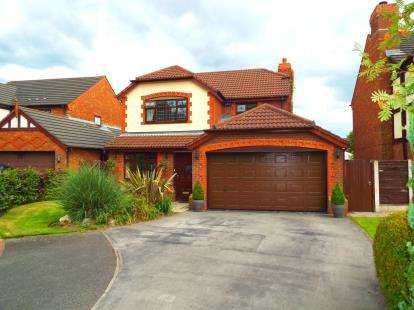 4 Bedrooms Detached House for sale in Farndale Close, Whittle Hall, Warrington, Cheshire