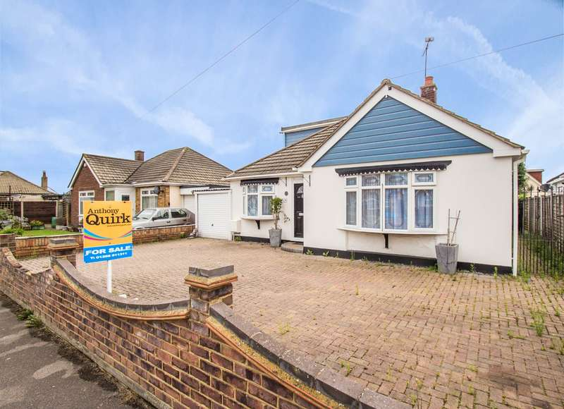 4 Bedrooms Detached Bungalow for sale in Thames Road, Canvey Island, SS8