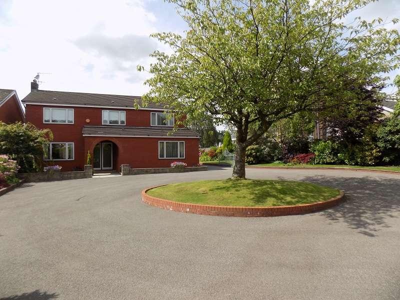 4 Bedrooms Detached House for sale in 11 Llys Gwynfryn , Bryncoch, Neath, Neath Port Talbot. SA10 7UB