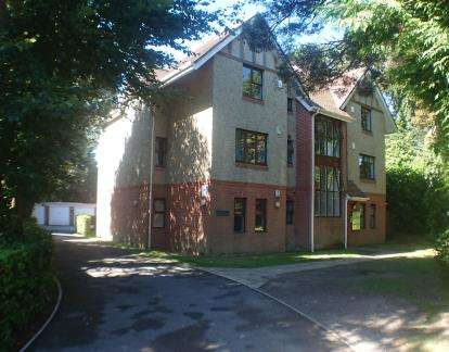 2 Bedrooms Flat for sale in 30 St Valerie Road, Bournemouth, Dorset
