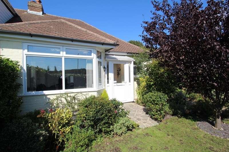 2 Bedrooms Semi Detached Bungalow for sale in Redlands Lane, Fareham