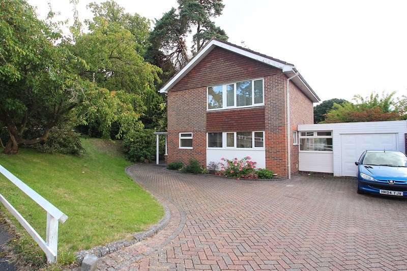 3 Bedrooms Detached House for sale in Green Hollow Close, Fareham