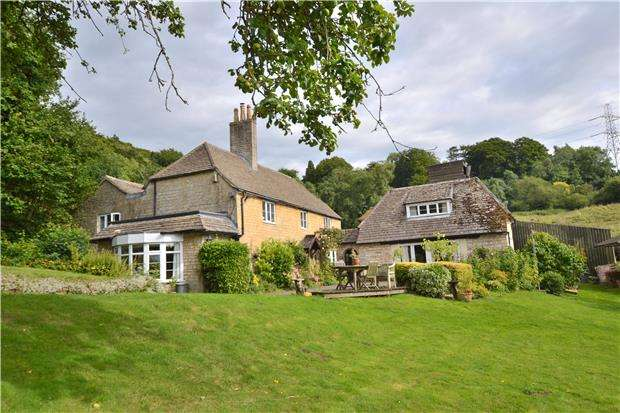 5 Bedrooms Detached House for sale in Leckhampton Hill, CHELTENHAM, Gloucestershire, GL53 9QJ