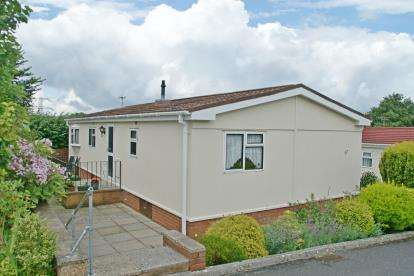 2 Bedrooms Bungalow for sale in Otter Valley Park, Honiton, Devon