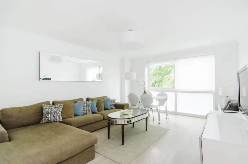 2 Bedrooms Flat for sale in Glebe Avenue, Ruislip, HA4