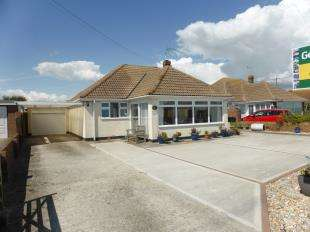 3 Bedrooms Bungalow for sale in Coast Drive, Lydd On Sea, Romney Marsh, Kent