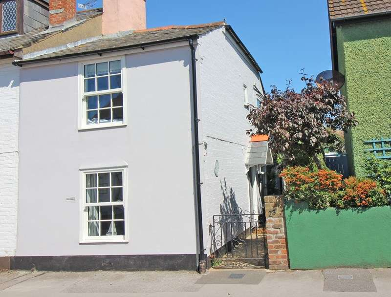 2 Bedrooms Cottage House for sale in Keyhaven Road, Milford On Sea, Lymington