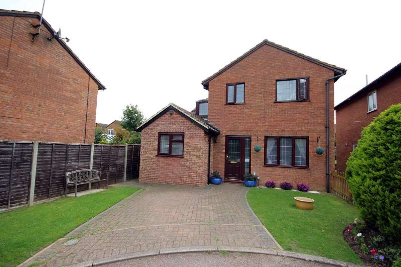 5 Bedrooms Detached House for sale in Vienne Close, Northampton, Northamptonshire. NN5 6HE