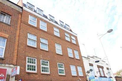 1 Bedroom Flat for sale in High Street, Barkingside, Essex
