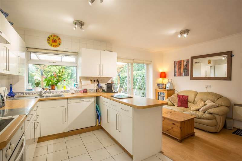 3 Bedrooms Semi Detached House for sale in Pymmes Green Road, New Southgate, London, N11