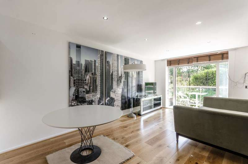2 Bedrooms Flat for sale in Myddelton Passage, Finsbury, EC1R