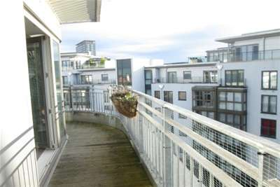 2 Bedrooms Flat for rent in Liberty Place