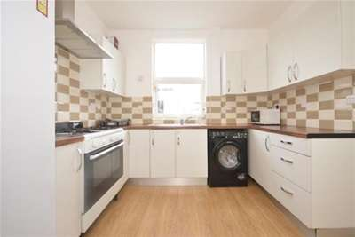 4 Bedrooms House for rent in Priory Terrace, Sharrow, S7 1LU