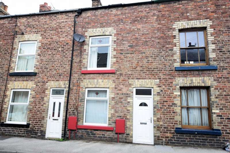 3 Bedrooms Terraced House for sale in Nelson Street, Scarborough, North Yorkshire YO12 7TA