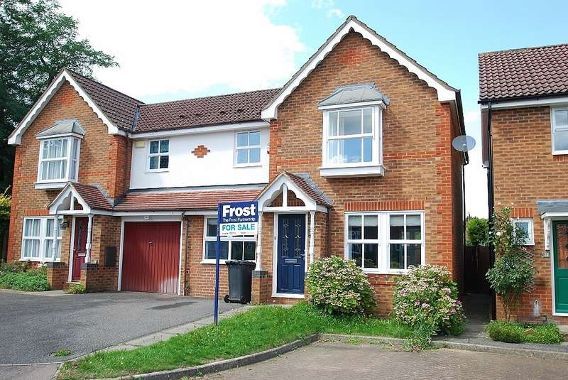 3 Bedrooms Semi Detached House for sale in Scholars Way, Amersham, HP6